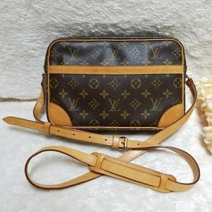 Louis Vuitton Trocadero 27 Crossbody Bag Monogram